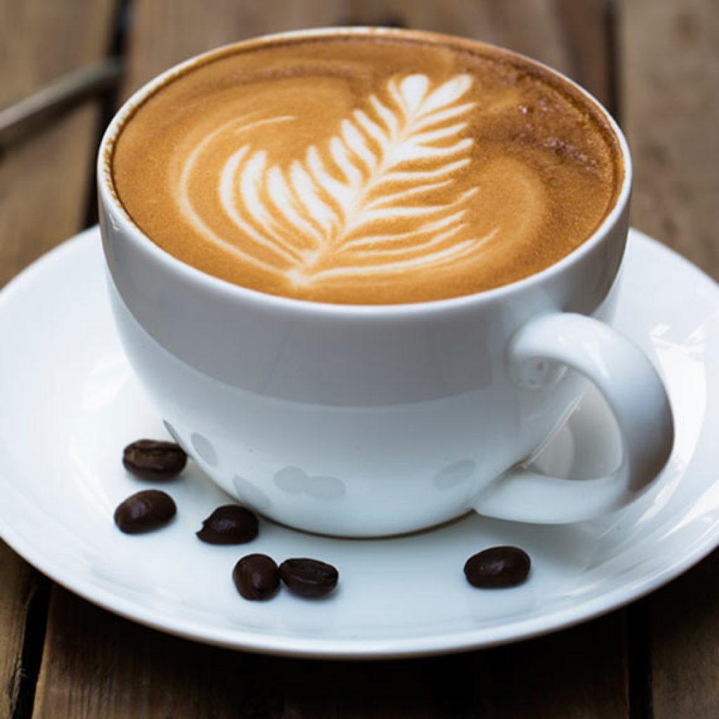 comment pr parer un cappuccino avec une machine caf automatique top. Black Bedroom Furniture Sets. Home Design Ideas